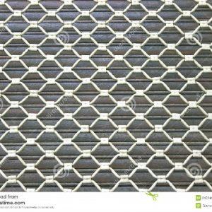 fundo-da-grade-de-tela-da-janela-do-ferro-31524253